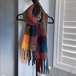 Accessories - ❤️🆕🍂🧶👜CHUNKY FALL COLOR TASSEL SCARF❤️